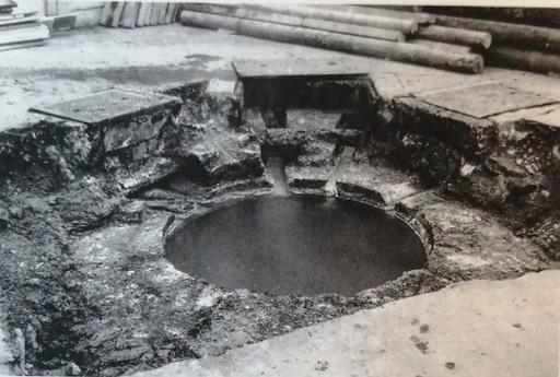 Die Quelle des Grossen Heissen Steins, Mitte 20. Jahrhundert; Mittler, Stadtgeschichte Baden, S.186.