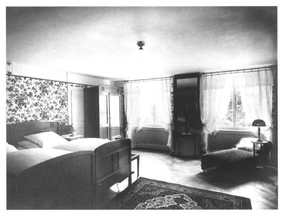 Fotografie eines Zimmers aus den 1920er Jahren; Archiv Hotel Blume.